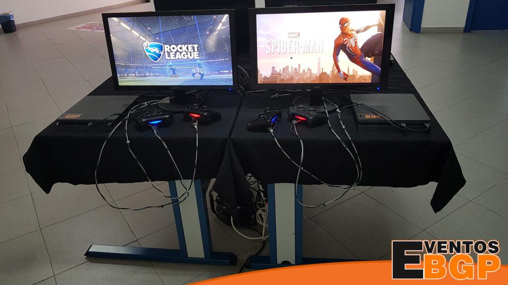 Evento campus en Barcelona con consolas y videojuegos.