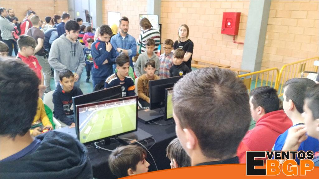 Evento con videojuegos en Madrid, consolas, fifa y baile.