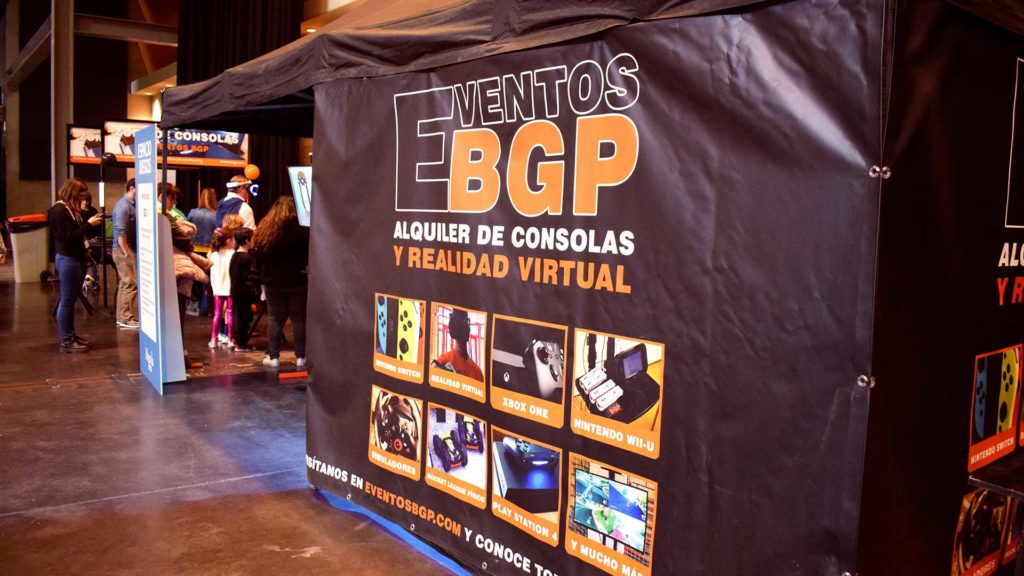 Imagen Guía de prensa y corporativa de Eventos BGP con publicidad y puestos de juego.